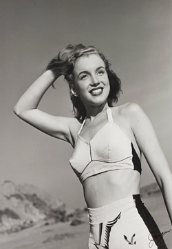 marilyn monroe's first photo shoot auctioned off