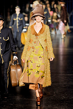 louis vuitton fall 2012 runway