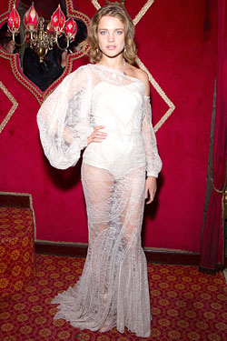 Natalia Vodianova white lace Givenchy Haute Couture by Riccardo Tisci Fall 2011 gown